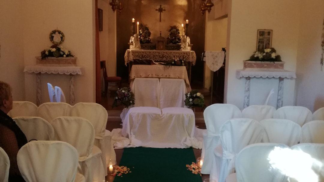 addobbo chiesa con candele